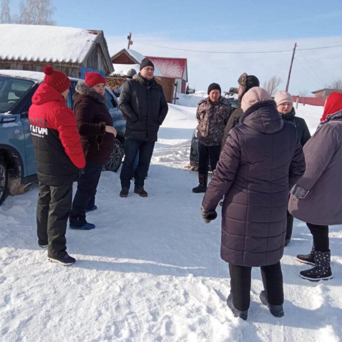 Встреча жителей деревни Сурки с депутатом по вопросу расчистки пруда